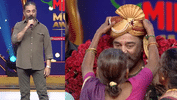 Kamal Haasan Receives A Pleasant Surprise At The Mirchi Music Award