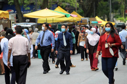 Minister: Not Wearing Face Mask Is The Top RMCO Offence