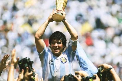 the-world-mourns-the-death-of-football-legend-maradona