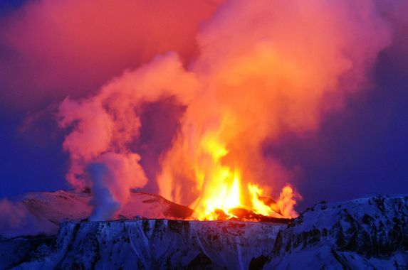 iceland-raises-alarm-after-biggest-volcano-starts-to-rumble