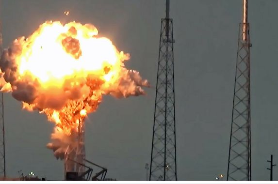 spacex-falcon-9-rocket-satellite-destroyed-in-explosion