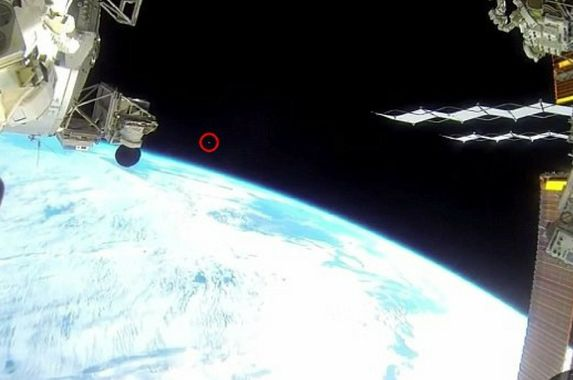nasa-cut-off-ufo-streaking-across-iss-to-hide-truth