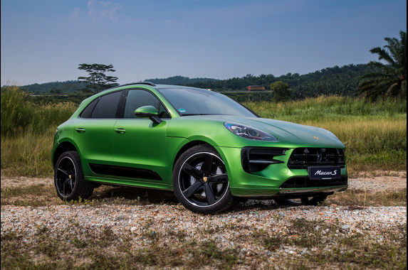 the-porsche-macan-s-isn-t-wallet-friendly-but-it-is-oh-so-powerful