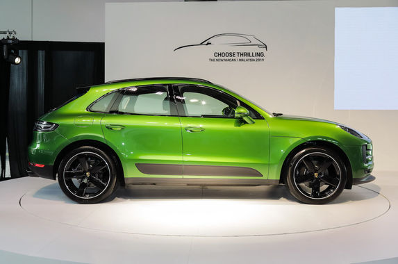 wallet-friendly-porsche-gets-a-facelift-this-is-the-new-macan