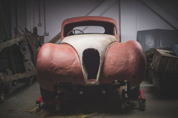 this-jalopy-of-a-jaguar-is-going-under-the-hammer