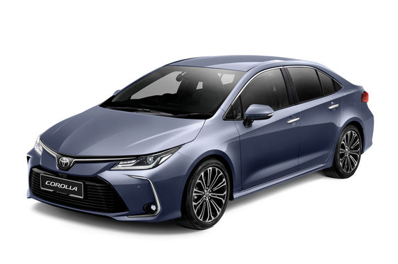 be-spoilt-for-choice-in-the-c-segment-as-toyota-opens-orders-for-the-new-corolla-altis