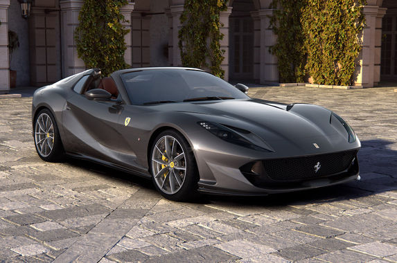 ferrari-812-superfast-wears-a-spider-suit-and-calls-itself-812-gts