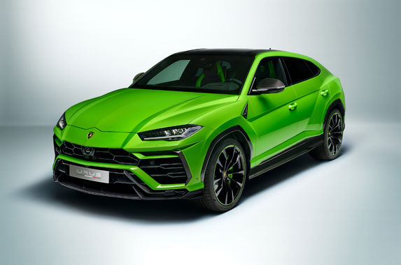 the-paintwork-on-this-lamborghini-urus-is-sublime
