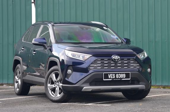 the-toyota-rav4-is-here-but-won-t-be-ruffling-any-feathers-of-the-segment-s-mainstays