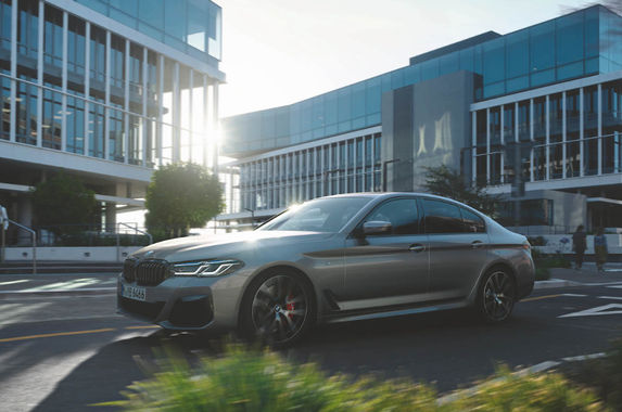 here-s-the-more-traditional-bmw-5-series-530i-if-phev-isn-t-your-jam