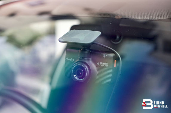 mio-mivue-792-dash-cam-review-when-the-lights-go-out-this-dashcam-still-sees-all