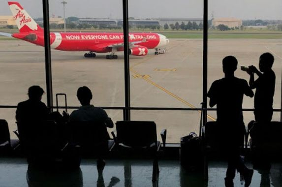 covid-19-peak-airasia-staff-dealt-with-death-threats-attended-to-150-000-queries-daily