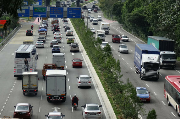 heavy-vehicles-will-be-banned-from-malaysian-roads-during-chinese-new-year-period