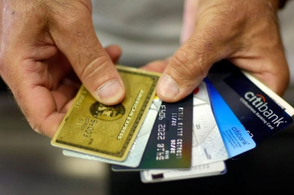 close-to-50-per-cent-of-malaysian-youths-are-saddled-with-high-credit-card-debt