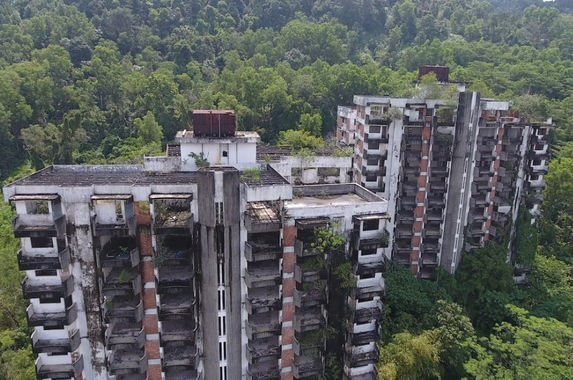 after-25-years-highland-towers-will-be-demolished-for-good