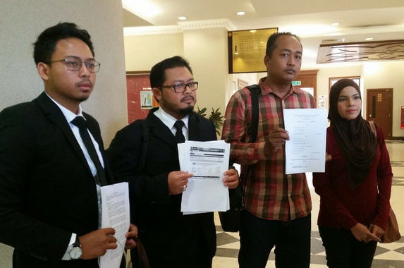 married-couple-sues-jawi-after-being-wrongfully-arrested-in-embarrassing-khalwat-raid