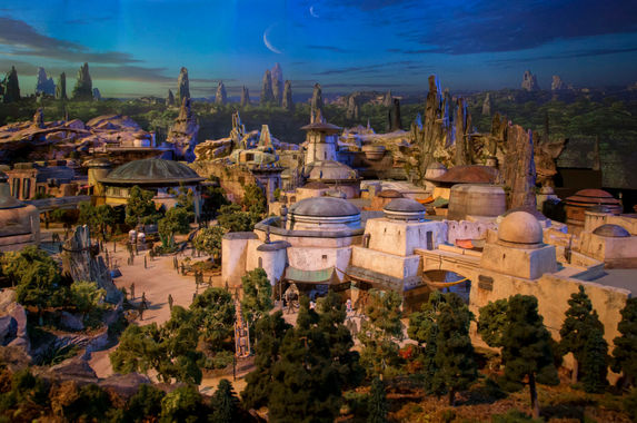 disney-has-revealed-how-the-star-wars-lands-will-look-like-and-it-s-pretty-epic