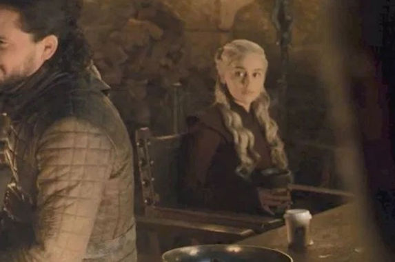 was-the-starbucks-cup-cameo-in-game-of-thrones-on-purpose-or-a-mistake