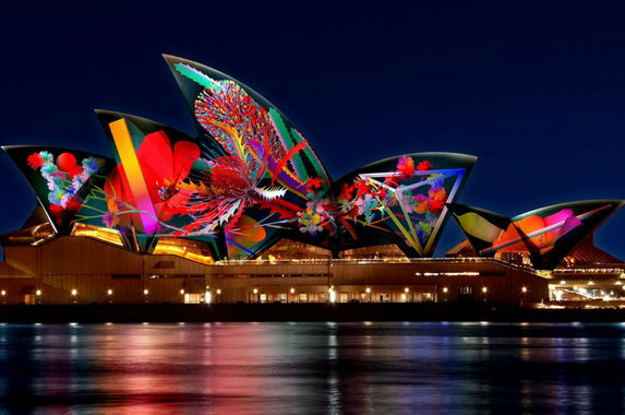 7-things-to-experience-at-vivid-sydney-the-world-s-largest-festival-of-light-music-and-ideas