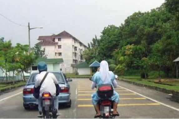 if-you-re-an-unmarried-muslim-couple-in-terengganu-keep-your-hands-to-yourself-while-riding-motorcycles