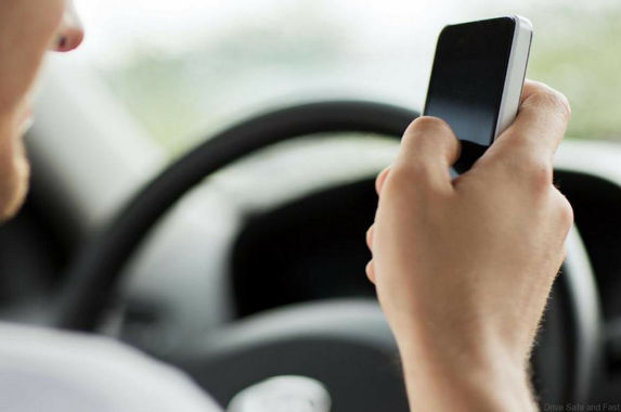 many-malaysians-still-can-t-keep-their-hands-off-their-phones-while-driving