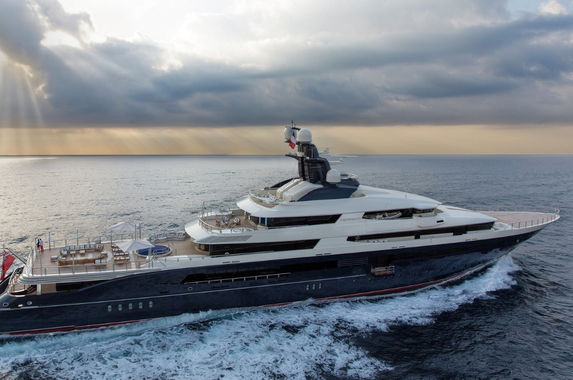 jho-low-s-superyacht-sold-to-genting-at-half-its-original-value
