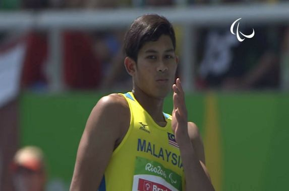 latif-romly-former-rempit-turned-gold-medalist-at-rio-paralympics