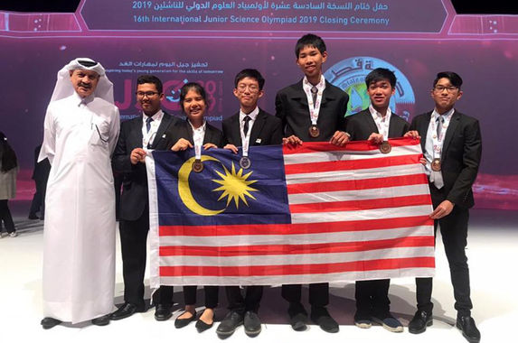 malaysian-students-bring-home-medals-from-international-junior-science-olympiad-2019