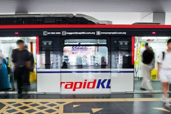 don-t-misuse-the-emergency-intercom-inside-trains-warns-rapid-kl