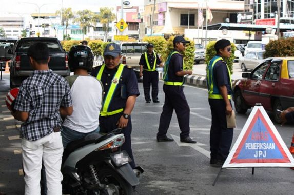 government-gives-exemption-to-drivers-from-renewing-their-expiring-road-tax-driving-license-during-mco-period