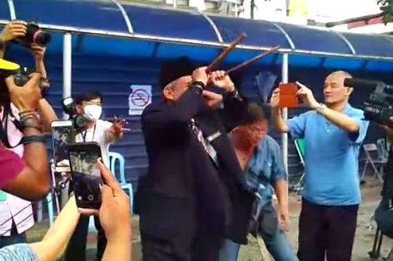 raja-bomoh-takes-north-korean-protection-ritual-tour-to-hospital-kl
