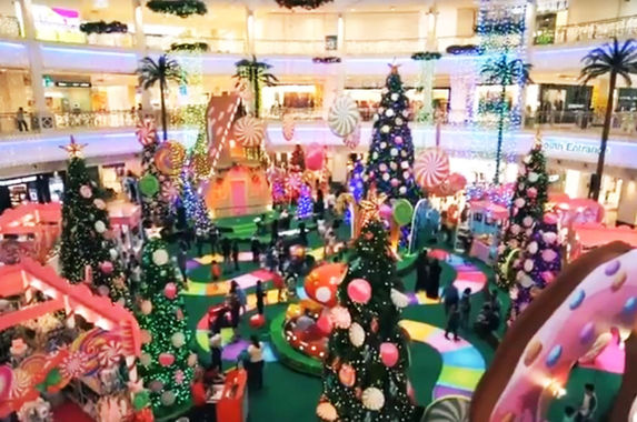 it-s-going-to-be-a-really-sweet-christmas-at-this-local-shopping-mall