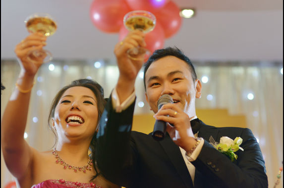 15-thoughts-everybody-has-at-a-chinese-wedding-dinner