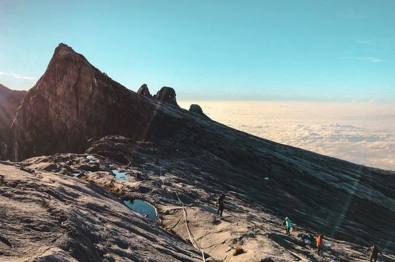 you-can-soon-climb-mount-kinabalu-but-only-if-you-re-currently-living-in-sabah
