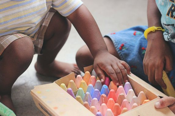 5-free-activities-around-the-house-to-keep-your-toddler-busy