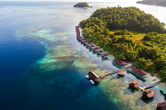 indonesia-s-raja-ampat-is-breathtaking-scenic-and-spectacular-rolled-into-one
