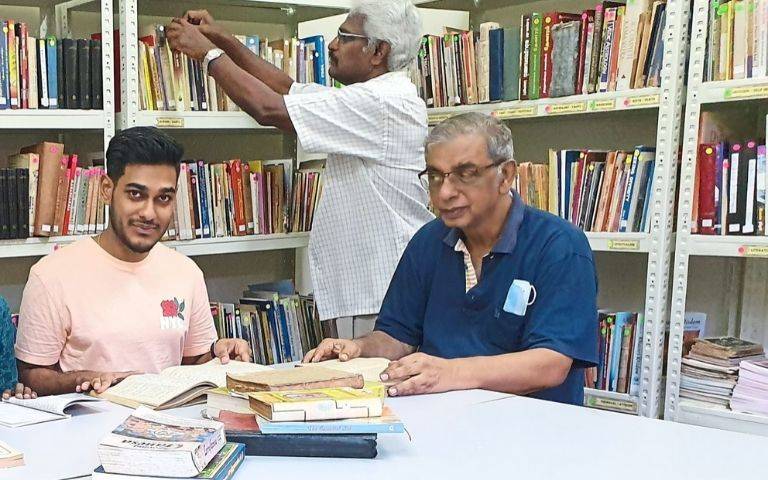 This-Lawyer-Opened-A-Library-In-a-Temple-to-Disseminate-Knowledge-On-Hinduism