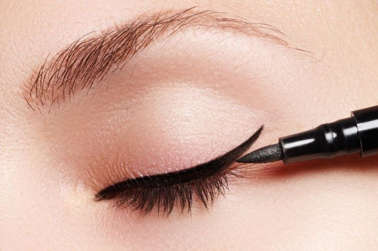 ladies-get-excited-the-perfect-winged-eyeliner-now-exists