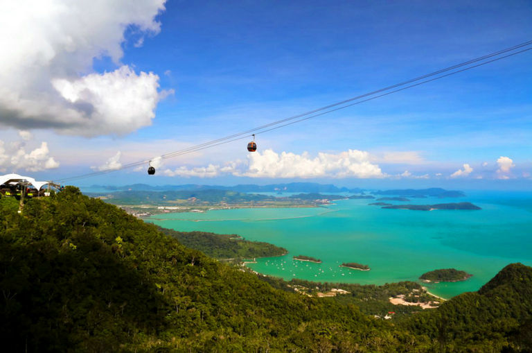 this-malaysian-cable-car-has-been-dubbed-as-one-of-the-best-cable-cars-in-the-world