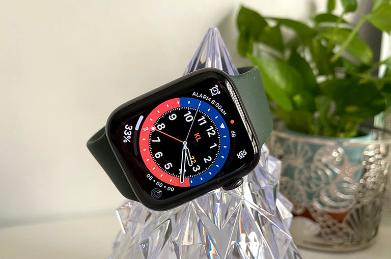 review-the-apple-watch-series-6-smashed-our-expectations-but-is-it-worth-the-hype
