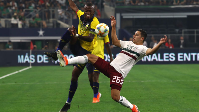 Mexico 3 Ecuador 2: Martino's perfect record intact