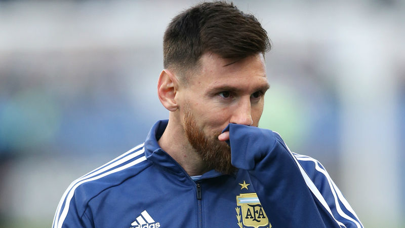 Aguero defends Messi amid Argentina criticism