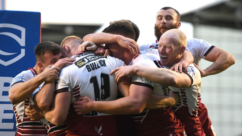 Wigan rally to go four points clear, Rhinos thrash Salford