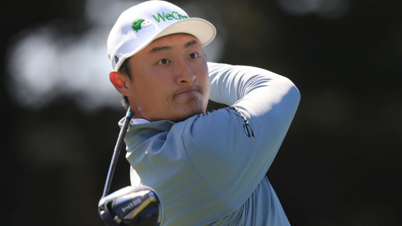 Flawless Li soars into lead at US PGA Championship