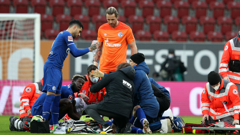 Schalke forward Uth suffers serious head injury
