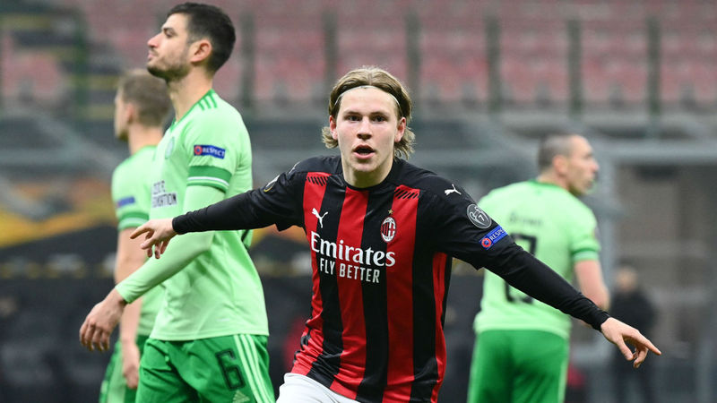 Milan 4-2 Celtic: Rossoneri seal knockouts spot