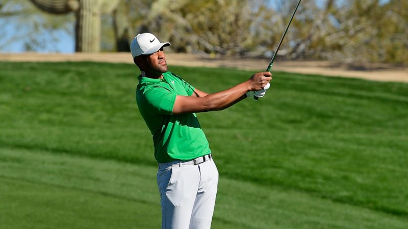 Finau and Simpson fire in Phoenix to tee up Sunday scrap