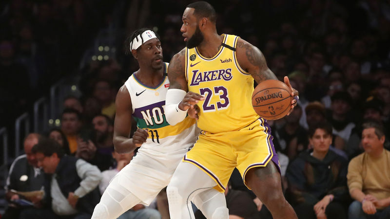 LeBron leads Lakers to sixth straight win, Bucks reach 50 victories