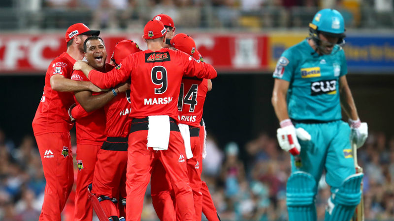Heat burn out as Renegades snatch stunning Big Bash win