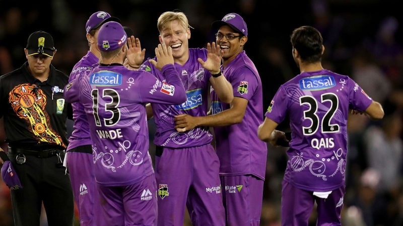 Wade and Wright star before Ellis holds his nerve as Hurricanes edge out Renegades